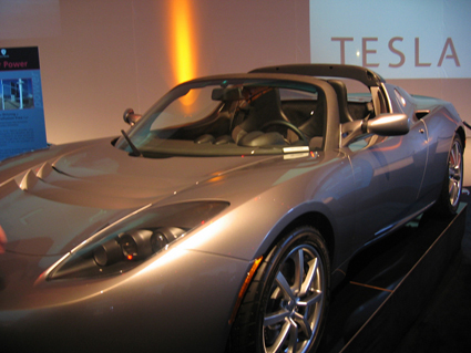Les projets de Tesla : après le Roadster, les White & Blue Star