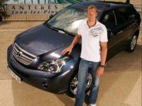 Le nageur Alain Bernard a adopté un Lexus RX 400h hybride