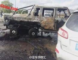 Un Mercedes-AMG G63 6x6 part en fumée après un accident en Chine
