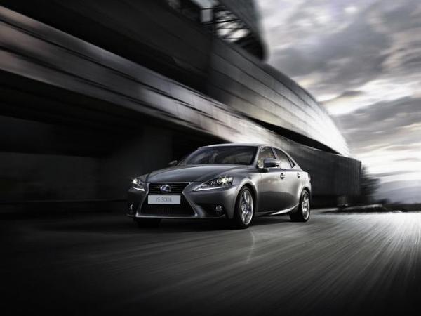 """Lexus a besoin d'un véhicule """"plus excitant"""""""