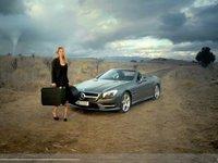 [vidéo] Lara Stone s'envoie en l'air sans sa Mercedes SL