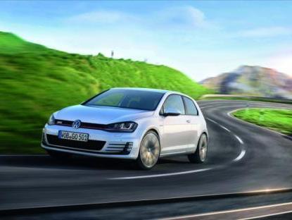 Volkswagen Golf: bientôt un toit en fibre de carbone...