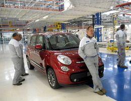 Fiat sur le point de licencier 30% des ouvriers chargés du 500L en Serbie
