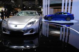 Videos: Lexus IS-F & LF-A.