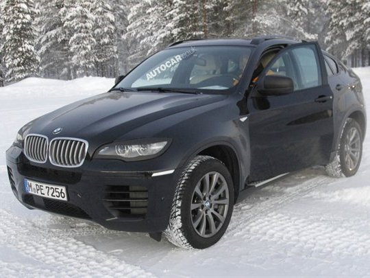 BMW X6 restylé: face avant affinée et moteur 6 cylindres tri-turbo