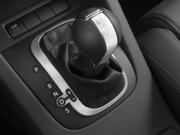 Dsg Mustang >> Volkswagen rappelle 91 000 véhicules au Japon pour des problèmes de boîte DSG