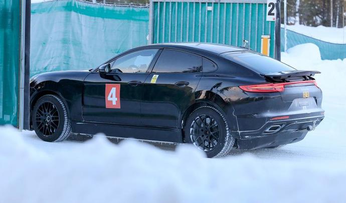 Porsche pense toujours au Cayenne coupé