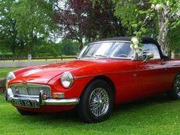 Rétromobile 2012 - Les 50 ans de la MGB