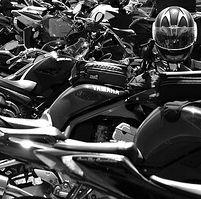 Nos voisins et le scooter : Parkings deux roues au Mali
