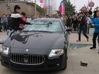 Un client mécontent détruit sa propre Maserati !