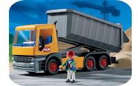 Allemagne : d'une grue, un chauffeur de camion distribue 75 000 euros à la foule
