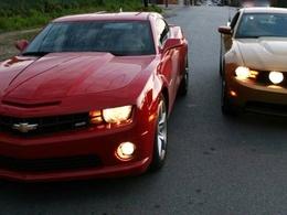 Cataclysme aux USA : la Chevy Camaro bat la Ford Mustang en 2010