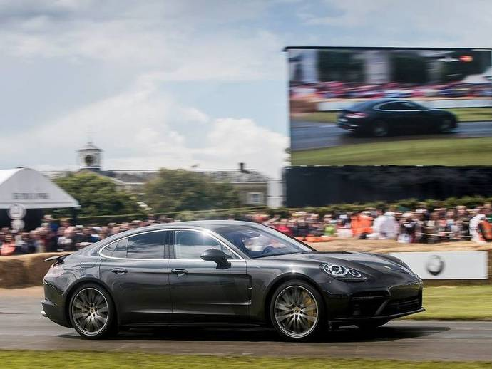 goodwood festival of speed 2016 patrick dempsey fait gronder la nouvelle porsche panamera turbo. Black Bedroom Furniture Sets. Home Design Ideas