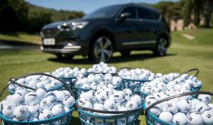 8500 balles de golf dans un Seat Tarraco