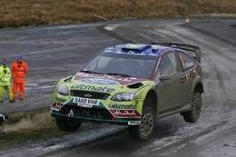 WRC Grande Bretagne : à 2 spéciales du but, Hirvonen revient fort
