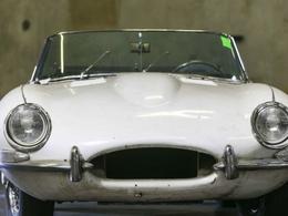 Etats-Unis : un octogénaire retrouve sa Jaguar volée... 46 ans après sa disparition