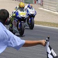 Moto GP - Catalogne: Le duel historique en images