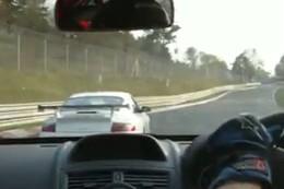 Vidéo : Megane R26 R vs Porsche GT3 au Nürburgring, ou comment prouver que la puissance ne fait pas tout !