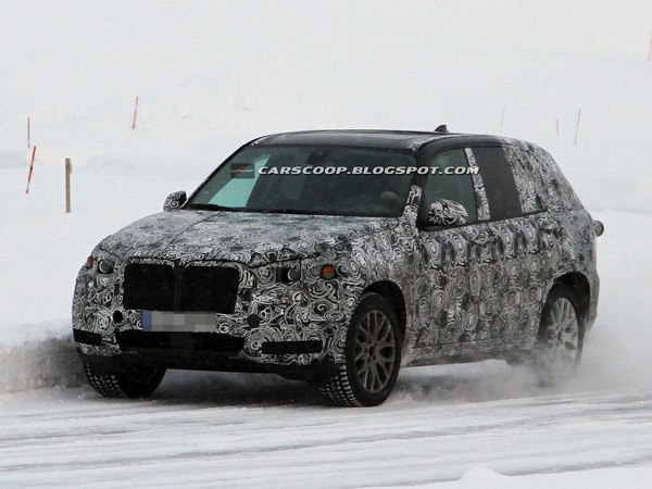 Surprise : le futur BMW X5 part à la neige
