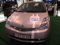 Une auto hybride rechargeable Toyota sortira en Europe d'ici 2012