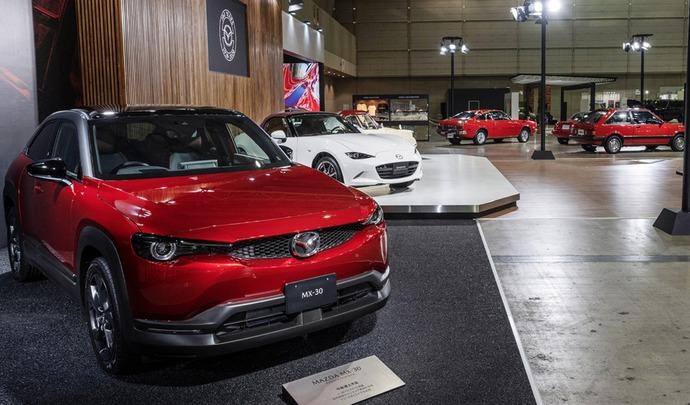 Mazda : une variante thermique pour le MX-30 au Japon