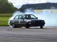 Une petite leçon de drift en BMW 335i pour finir la semaine?