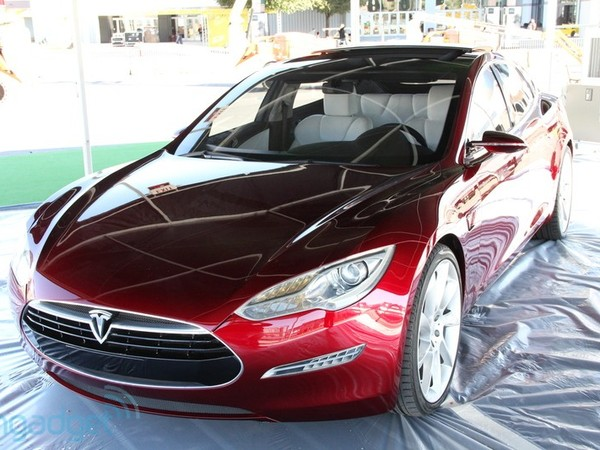 tesla model s un prototype de production d voil au ces 2011. Black Bedroom Furniture Sets. Home Design Ideas