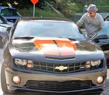 Brad Pitt s'offre une Chevrolet Camaro SS