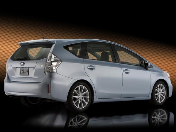 Détroit 2011 : nouvelle Toyota Prius V (aujourd'hui Prius +), pour volumineuse ?