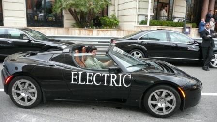 Tesla Roadster : en prélude des 24h du Mans