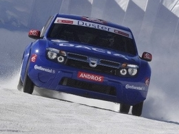 Alain Prost reste en tête en Andros