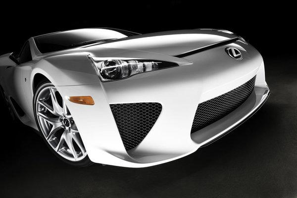 Lexus LFA - encore plus chère pour les Européens : 375 000 euros