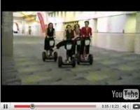 Vidéo 'bon appétit' : femmes en Segway, tête sur le parquet !
