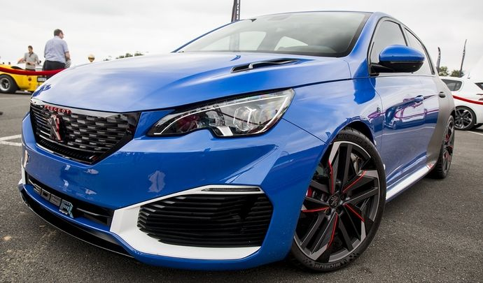 Photos du jour : Peugeot 308 R Hybrid (Sport & Collection)