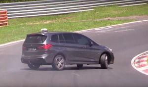 Insolite : un BMW Série 2 Gran Tourer en glisse sur le Nürburgring