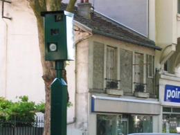Radars feux rouges : ils ont rapporté 10 millions d'euros à Paris en quatre mois