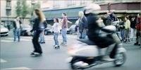 Le scooter bientôt interdit sur route ?