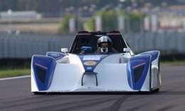 Un véhicule de compétition à l'85 nommé Weazer