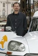 Un tour du monde en Citroën DS ambulance