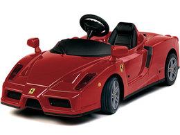 Enzo Ferrari vient d'obtenir sa licence de course