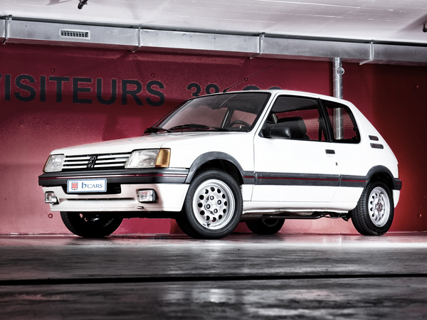 offrez vous une peugeot 205 gti 1 6 pour 60 000. Black Bedroom Furniture Sets. Home Design Ideas