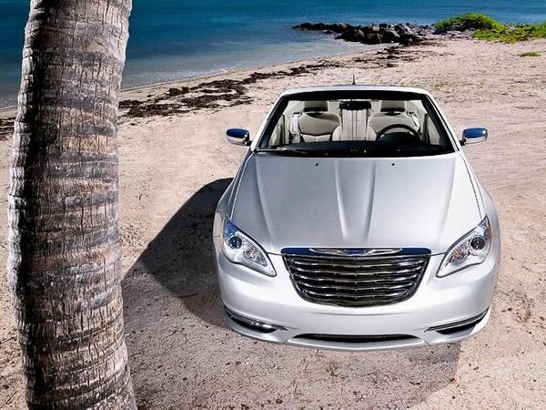 Officiel -  Chrysler 200 Cabriolet, appelez-la Lancia en Europe