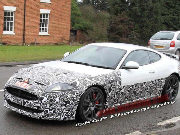 Spyshot : encore un restylage pour la Jaguar XK