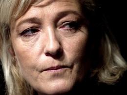 Marine Le Pen va devoir repasser son permis de conduire