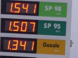Augmentation de 2 centimes par litre de la taxe sur le diesel
