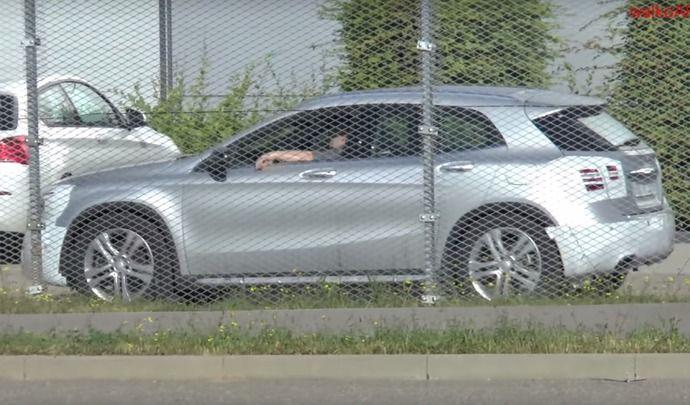 Scoop : Mercedes prépare le crossover GLA restylé