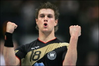 Allemagne : un champion du monde de hand évite une amende en échange d'une photo !