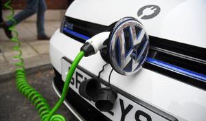 Pour l'auto électrique, Volkswagen veut mettre la main sur l'approvisionnement en cobalt