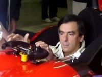 Crise économique/industrie auto : François Fillon évoque des mesures très ambitieuses...