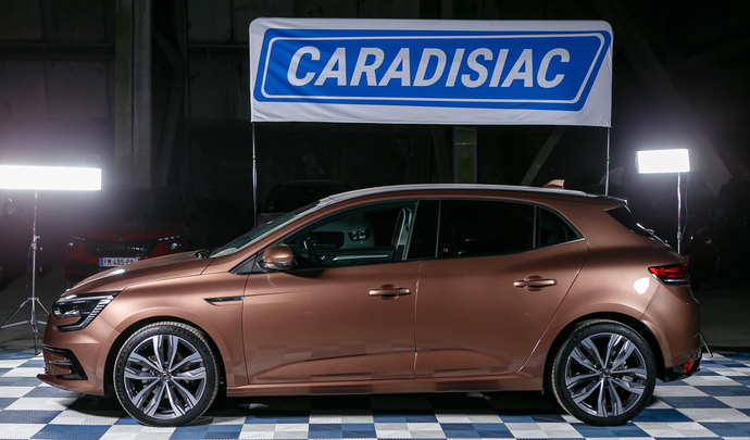 Renault Mégane restylée: bon coup de frais - Salon de l'auto Caradisiac 2020